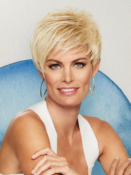 Smooth Layers Classic Short Wig For Women